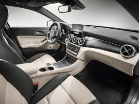 2018 Mercedes-Benz GLA250 interior