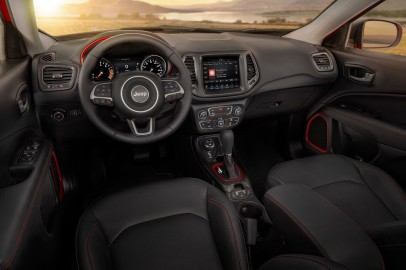 Jeep® Compass Trailhawk interior